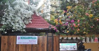 Bougainvillea Guest House - Candolim - Outdoors view