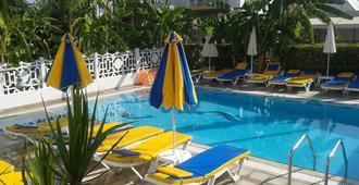 Elite Apartments - Kos - Pool