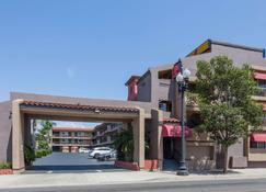 Super 8 by Wyndham El Cajon CA - El Cajon - Building