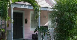 Simonton Court Historic Inn & Cottages - Key West - Building