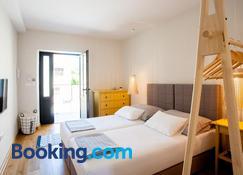Pool Bella Vista Suites - Vis - Bedroom