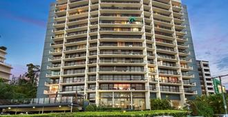 River Plaza Apartments - בריסביין - בניין