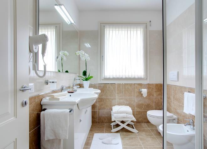 Grand Hotel Presolana - Castione della Presolana - Bathroom