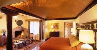 Villa Montana Hotel & Spa - Morelia - Bedroom