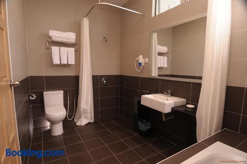Seemsoon Hotel - Ipoh - Bathroom