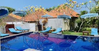Pandawa Beach Home Stay - South Kuta - Pool