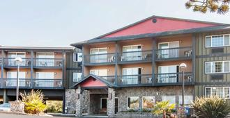 Comfort Inn & Suites Lincoln City - Lincoln City - Building