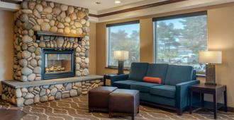 Comfort Inn & Suites Lincoln City - Lincoln City - Living room