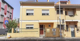 Relaxing House - Sónias Houses - Lisbon - Building