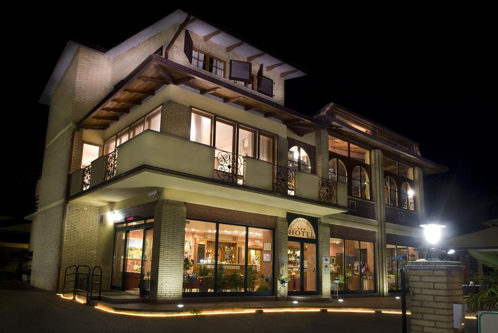 Hotel Duca Della Corgna Da 54 1 1 3 Castiglione
