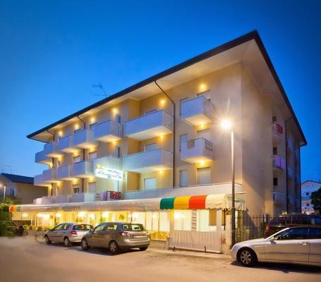 Hotel Augusta - Caorle - Building