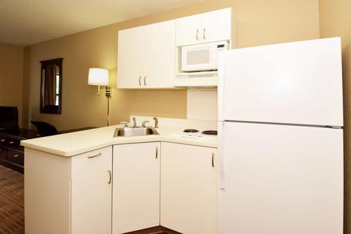 Extended Stay America Philadelphia - Cherry Hill - Cherry Hill - Bedroom
