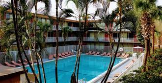 Red Carpet Inn Airport Fort Lauderdale - Fort Lauderdale - Pool