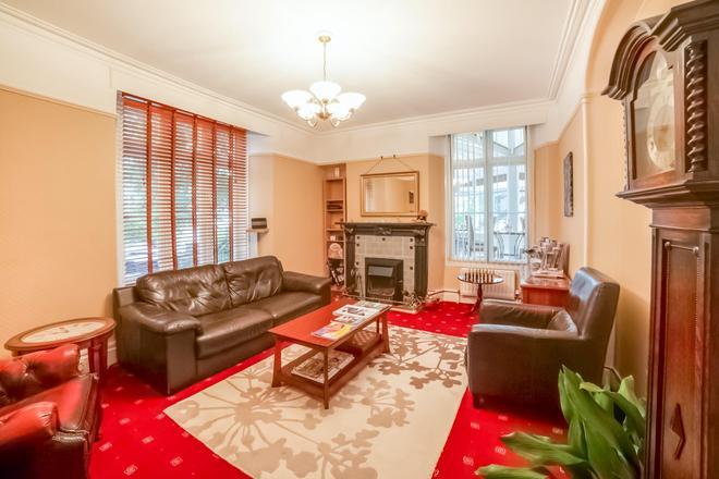 The Ravensworth - Windermere - Living room