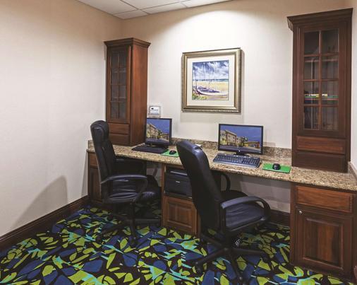 La Quinta Inn & Suites by Wyndham Corpus Christi-N Padre Isl - Corpus Christi - Liikekeskus