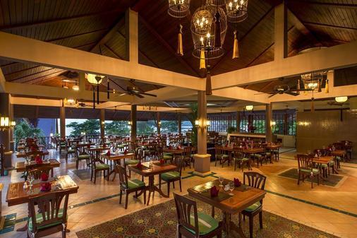 Chanalai Garden Resort, Kata Beach - Karon - Ruoka