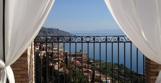 Isoco Guest House - Taormina - Balcón