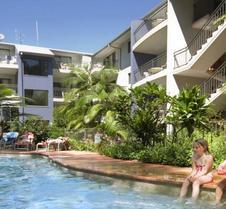 Flynns Beach Resort