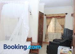 Arusha Giraffe Lodge - Arusha - Bedroom