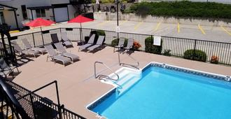 Lakeview Motel & Suites - Osoyoos - Bể bơi