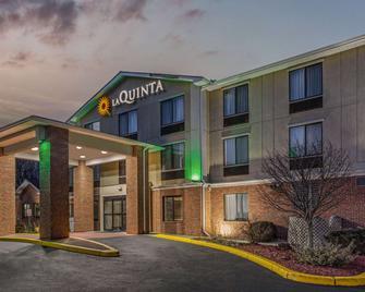 La Quinta Inn & Suites by Wyndham Norwich-Plainfield-Casino - Plainfield - Building