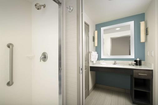 Homewood Suites by Hilton Metairie New Orleans - Metairie - Bathroom
