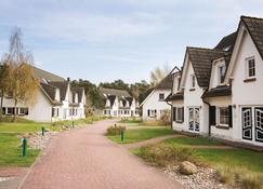 Ferienwohnungen Fischland - Ostseebad Dierhagen - Bâtiment