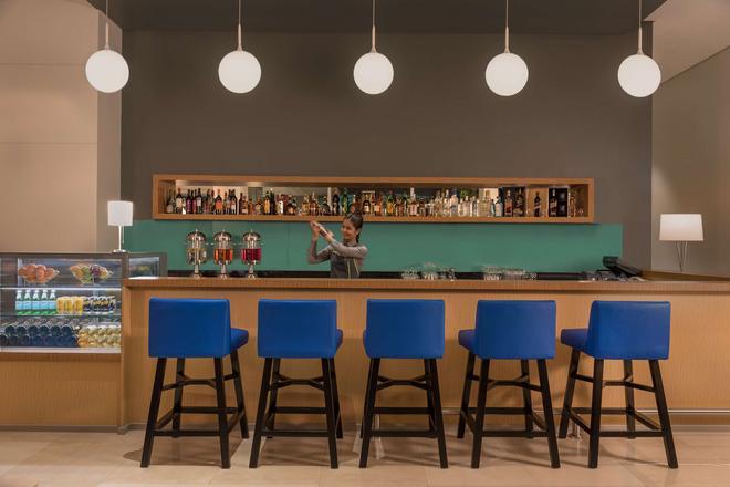 麗笙克拉克公園旅館 - 安赫勒斯市 - 安吉利斯 - 酒吧