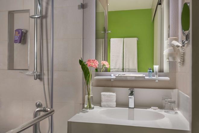 麗笙克拉克公園旅館 - 安赫勒斯市 - 安吉利斯 - 浴室