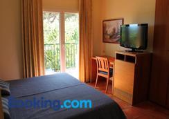 Restaurant Hotel Picasso - Torroella de Montgrí - Bedroom