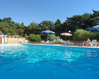 Krios Beach Camping - Parikia - Pool