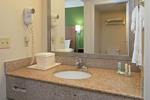 Quality Suites Lake Wright - Norfolk Airport - Norfolk - Μπάνιο