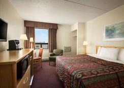 Travelodge by Wyndham Edmonton West - Edmonton - Bedroom