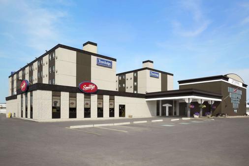 Travelodge by Wyndham Edmonton West - Edmonton - Gebäude