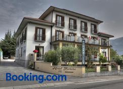 Hotel Fioroni - Bellagio - Building
