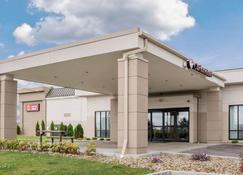 Clarion Hotel Beachwood-Cleveland - Beachwood - Building