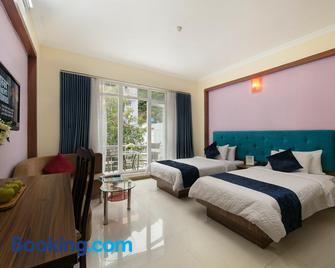 Catba Palace Hotel - Cat Ba - Bedroom