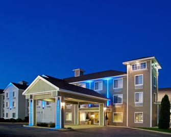 Holiday Inn Express & Suites New Buffalo, MI - New Buffalo - Building