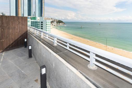 Sunset Business Hotel - Busan - Balkon
