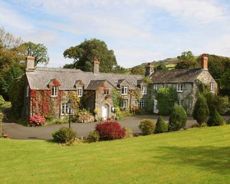Collaven Manor Hotel - Okehampton - Building