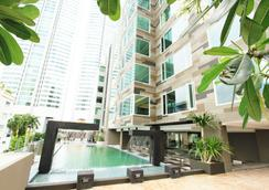 Golden Tulip Mandison Suites - Bangkok - Pool