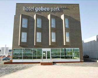 고베오 파크 - 비토리아 가스테이즈 - 건물