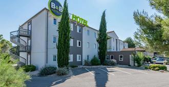 B&B Hotel Aix-En-Provence Pont De L'Arc - Aix en Provence - Bâtiment