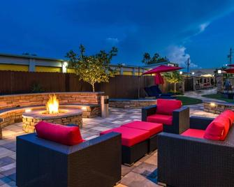 Best Western PLUS Lake Jackson Inn & Suites - Lake Jackson - Terasa