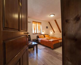 House Rustico - Korenica - Bedroom