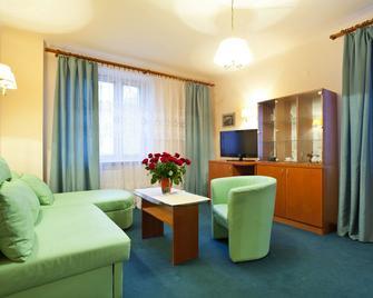 Hotel Iskra - Radom - Obývací pokoj