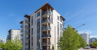Compact one-bedroom apartment in Vuosaari - הלסינקי - בניין