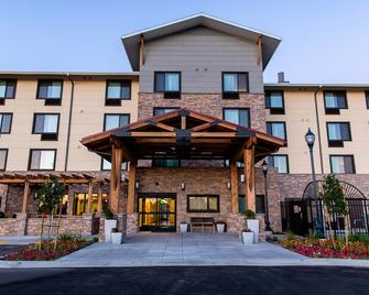 TownePlace Suites by Marriott Lancaster - Lancaster - Building