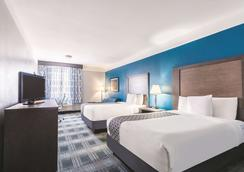 La Quinta Inn & Suites By Wyndham Houston/Clear Lake-Nasa - Webster - Bedroom