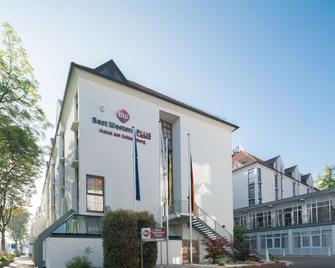 Best Western PLUS Hotel Am Schlossberg - Nuertingen - Building